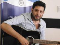 Video: Sebastián Lasquera presenta sus canciones de amor