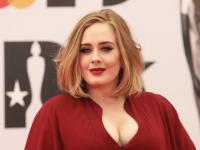 """Adele lideró la venta de CD este año con """"25"""""""
