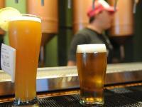 La cerveza tirada no tiene tantos procesos químicos ni conservantes como la embotellada