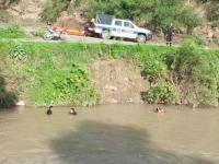 Intensa búsqueda de un hombre que se arrojó al Arenales para escapar de la Policía