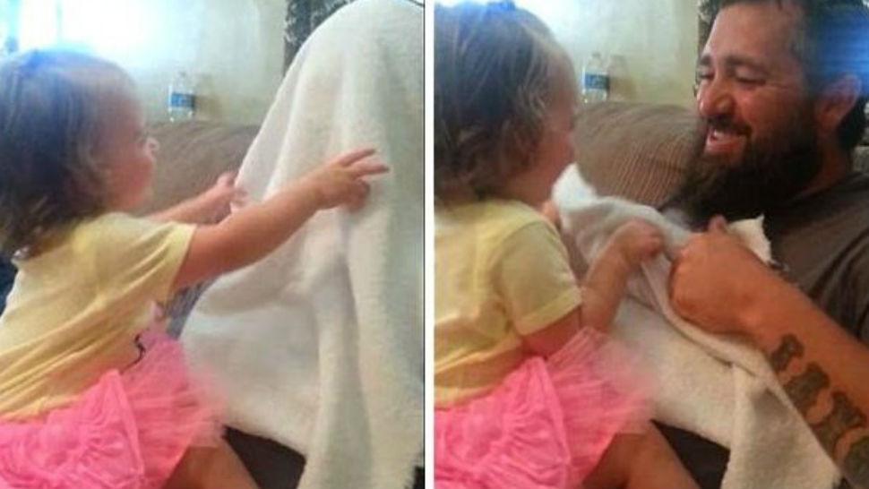 niña pequeña afeitado