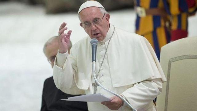Autoriza el Papa a sacerdotes perdonar el aborto