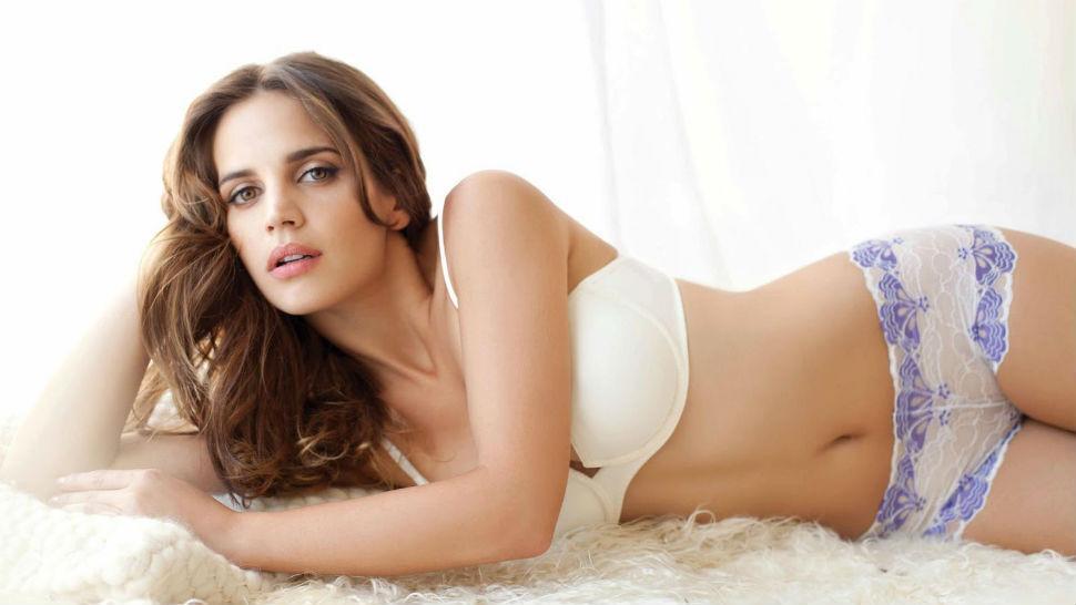 Alexandra Felstead Nude Photos 93