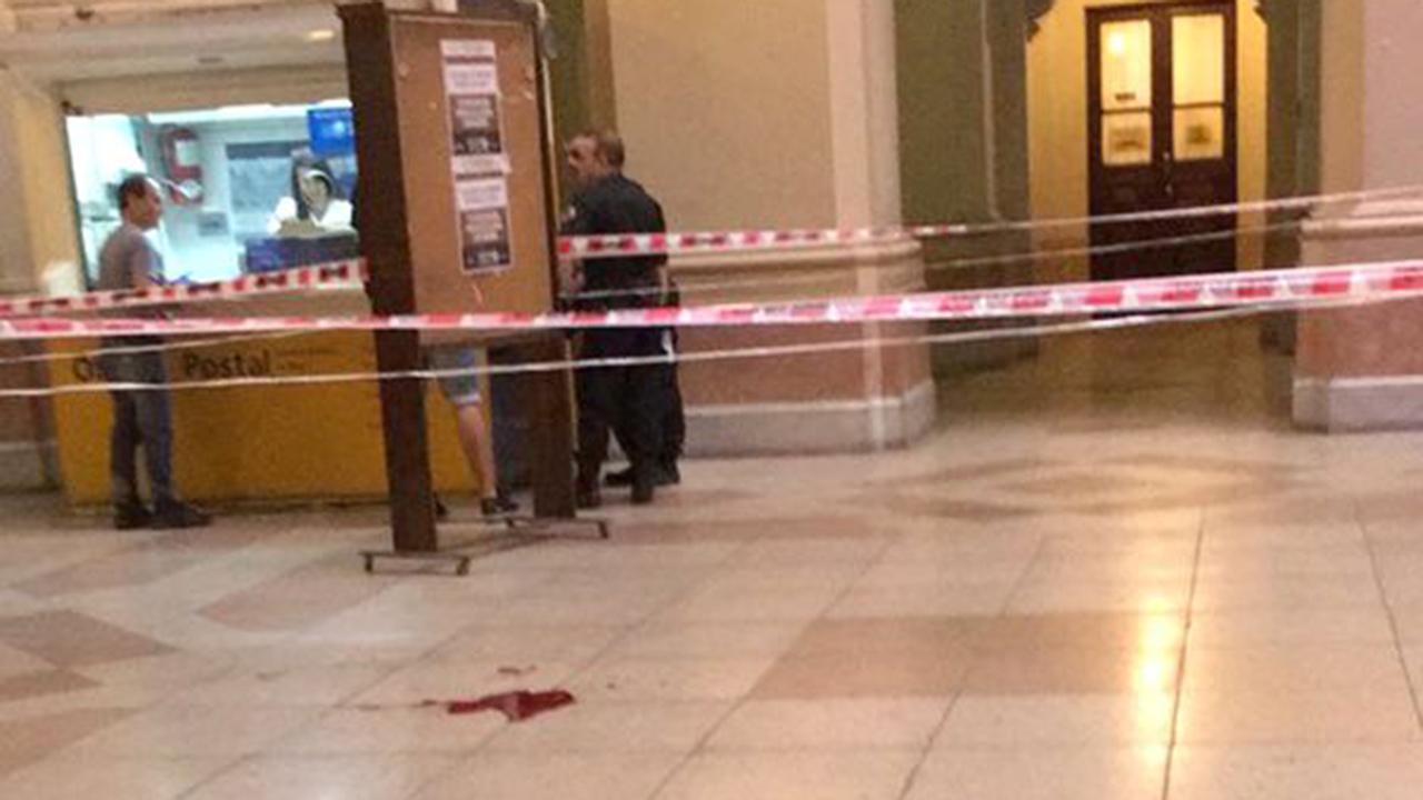 Un abogado cayó del sexto piso de Tribunales: está grave