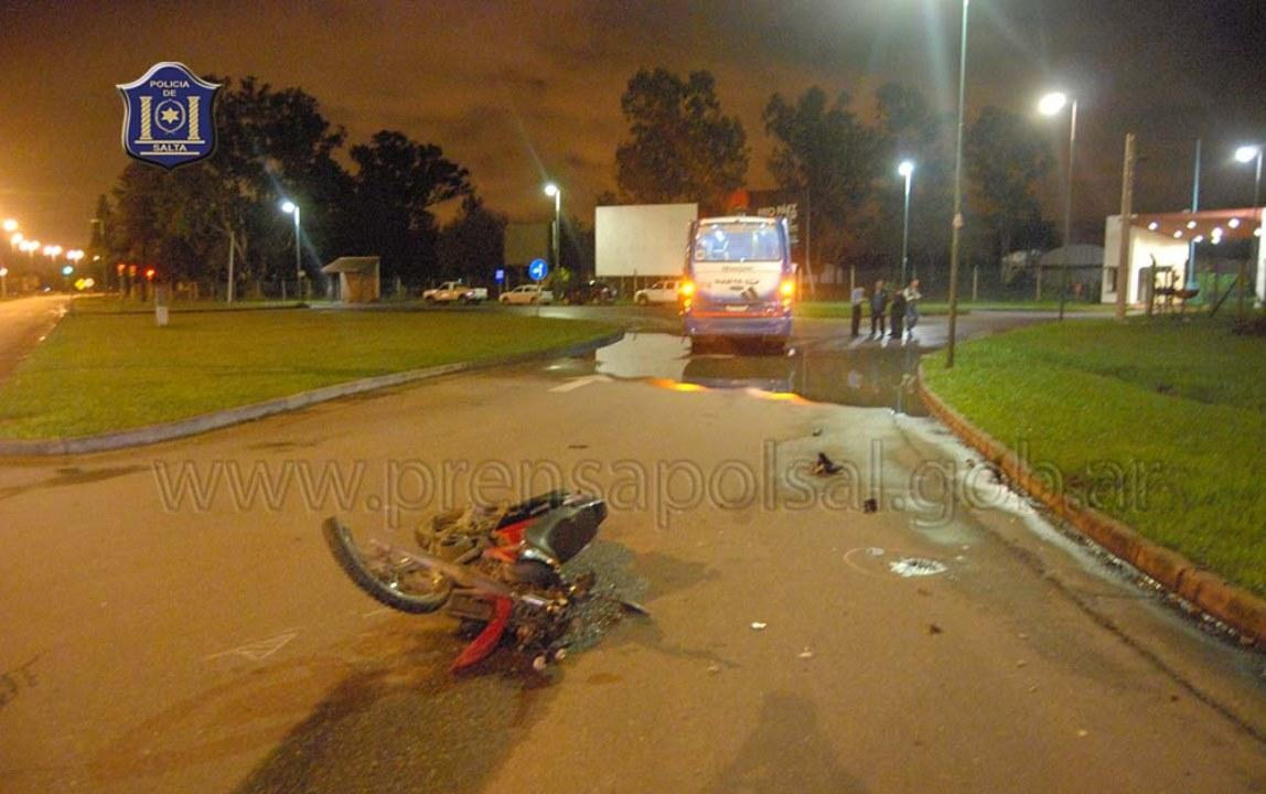 Un Colectivo Atropell A Un Motociclista En Avenida