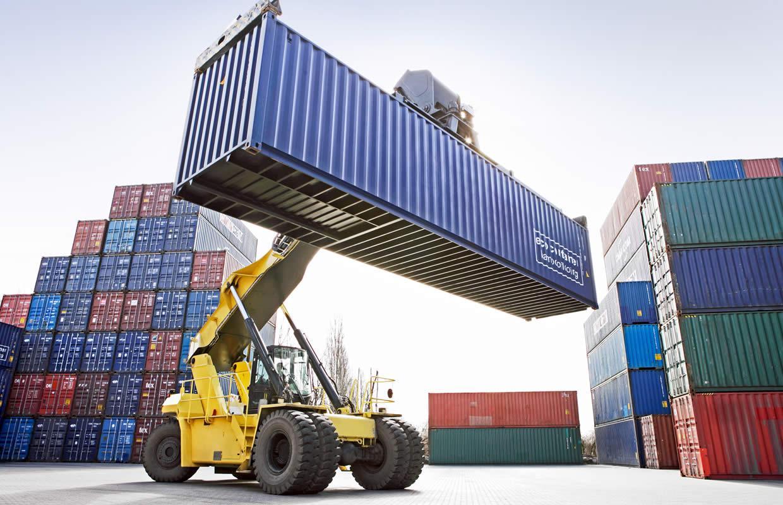 Las importaciones toman ritmo y en marzo se triplicó el déficit comercial