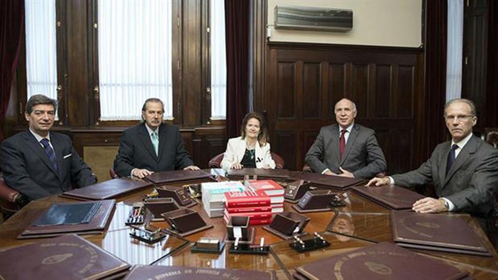 Resultado de imagen para Denunciaron a los ministros de la Corte Suprema que firmaron el fallo del 2x1