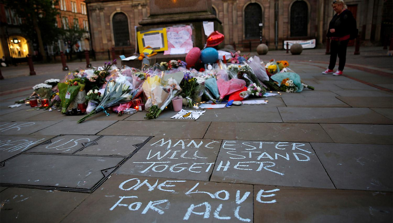 Continuaremos en honor de los que perdimos: Ariana Grande tras bombazo
