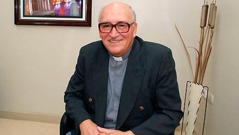 El Padre Ceschi fue internado, tras sufrir un ACV