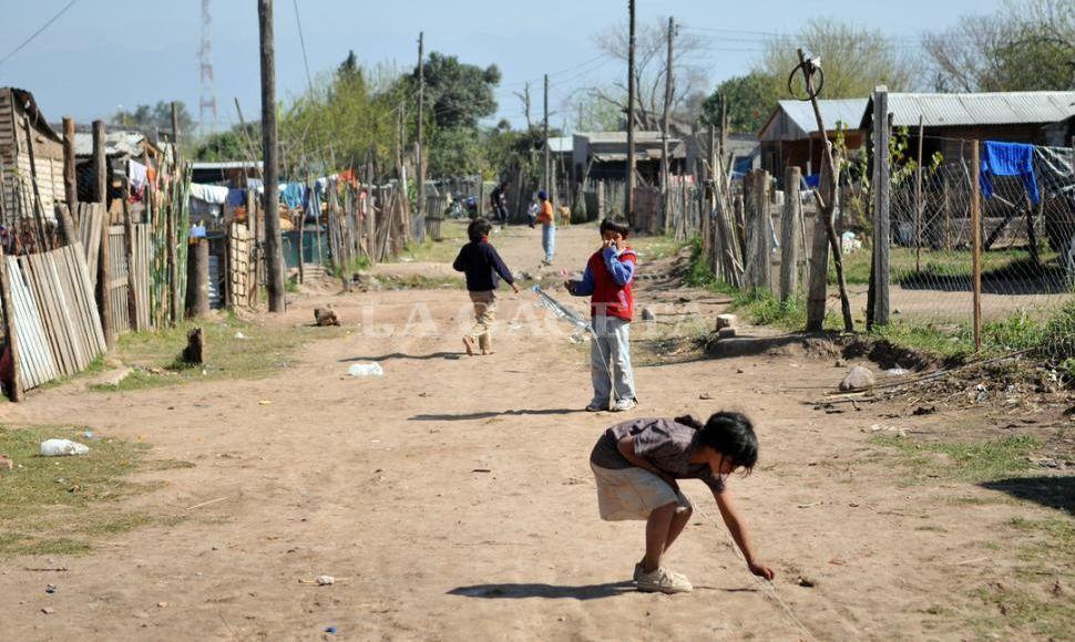 Casi la mitad de los chicos argentinos son pobres