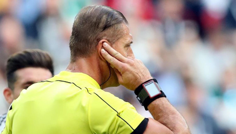 Debuta videoarbitraje con gol anulado a Portugal