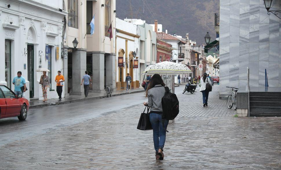 Se pronostican tormentas muy fuertes en regiones de Michoacán, Guerrero y Oaxaca