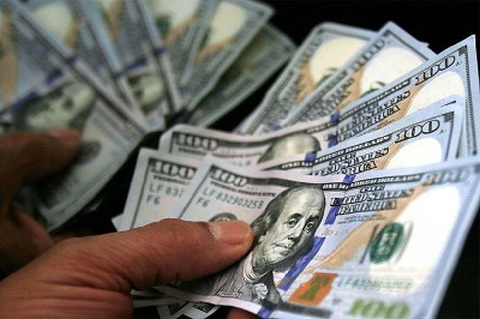El dólar cerró a $17,45 y alcanzó un nuevo récord