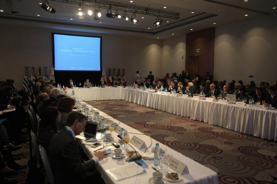 Bachelet descarta reunión con Evo en Mendoza