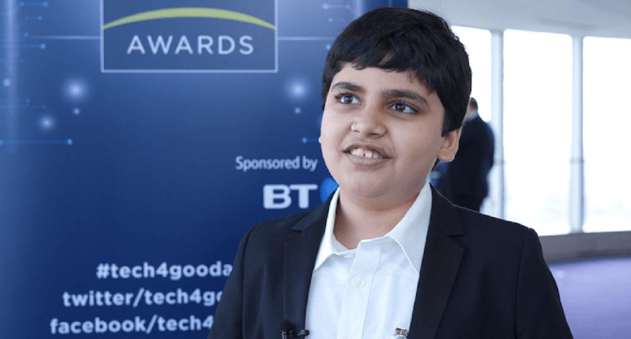 El niño genio que supera en IQ a Einstein y Hawking