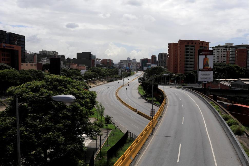 Nicolás Maduro y opositores afrontan hoy huelga crucial — Venezuela