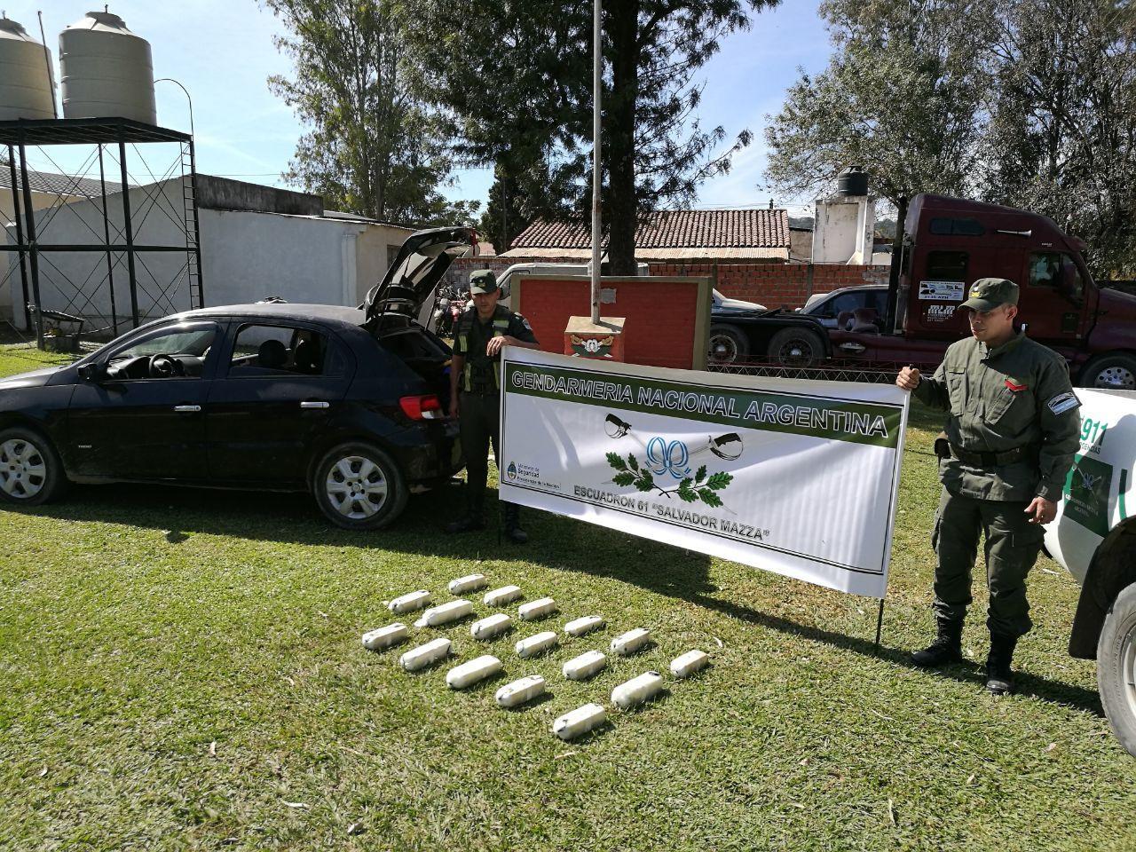 Incautaron más de 18 kilos de cocaína en un auto — Salvador Mazza
