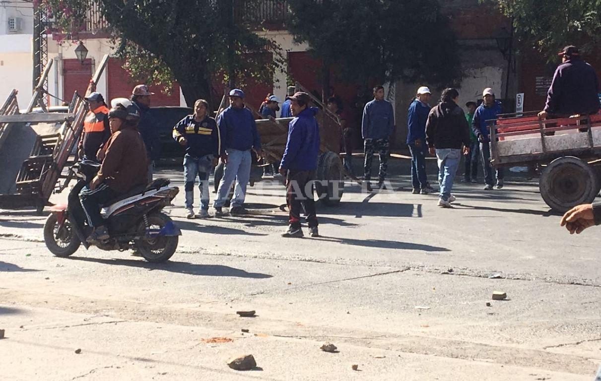 Los carreros esperan tener sus motocargas cuanto antes