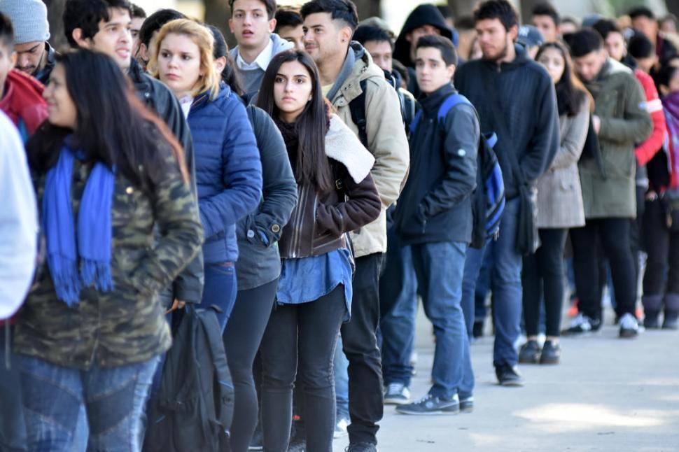 Uno de cada tres argentinos trabaja en negro