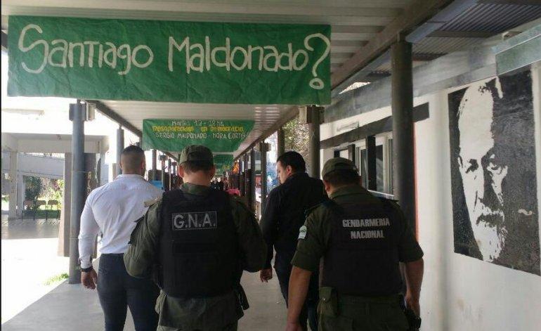 En la Universidad de Rosario hacían acto por Maldonado cuando irrumpió Gendarmería