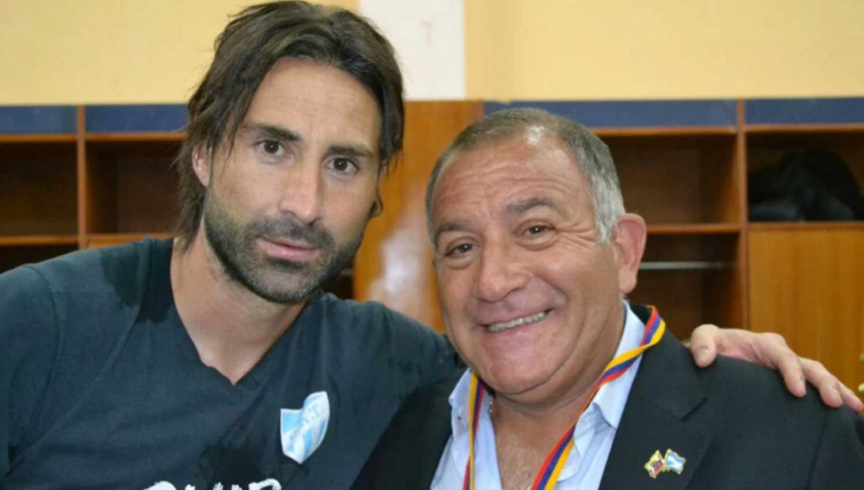 Ecuador ratifica la demanda para que Argentina retire a su embajador
