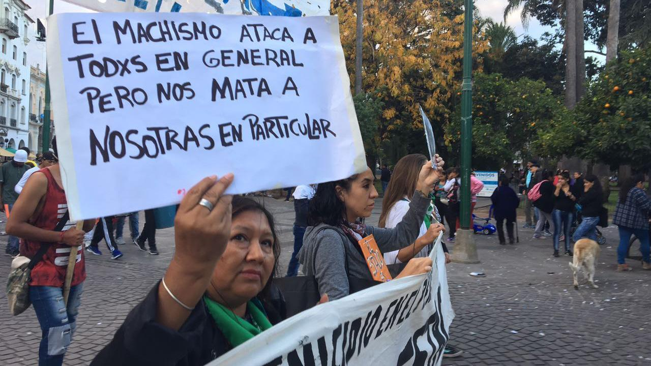 Cifra de feminicidios en Argentina asciende a 254 en 2017