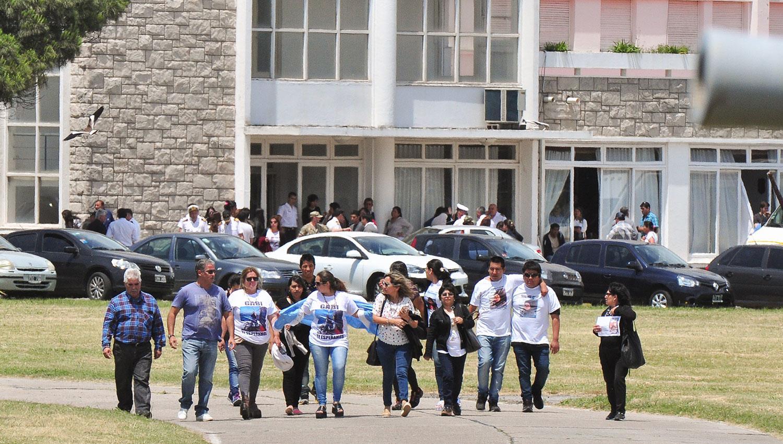 Familiares de los submarinistas organizan una marcha para este domingo