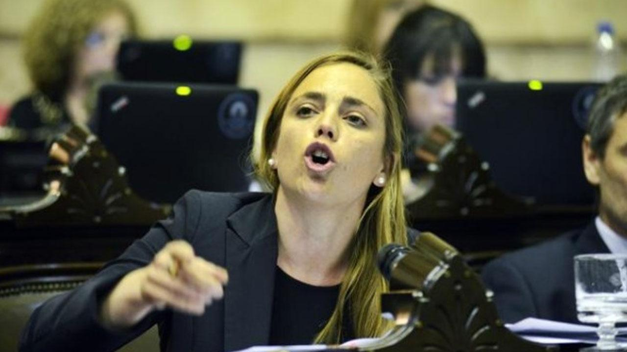 Emilia Soria contra los gobernadores del PJ: