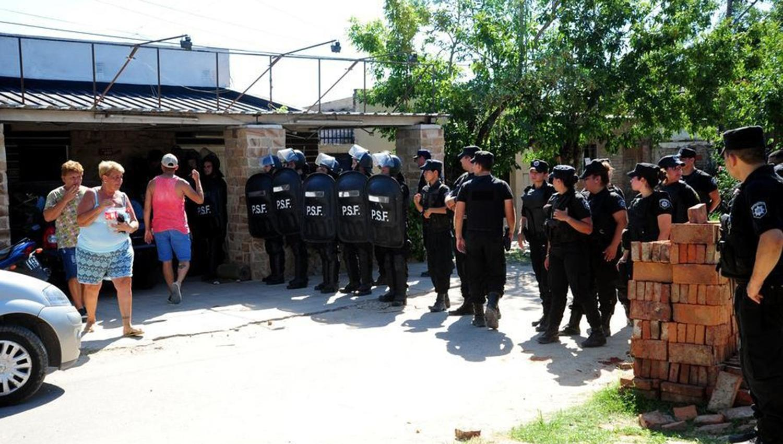 Penitenciario mató a 5 familiares — Santa Fe