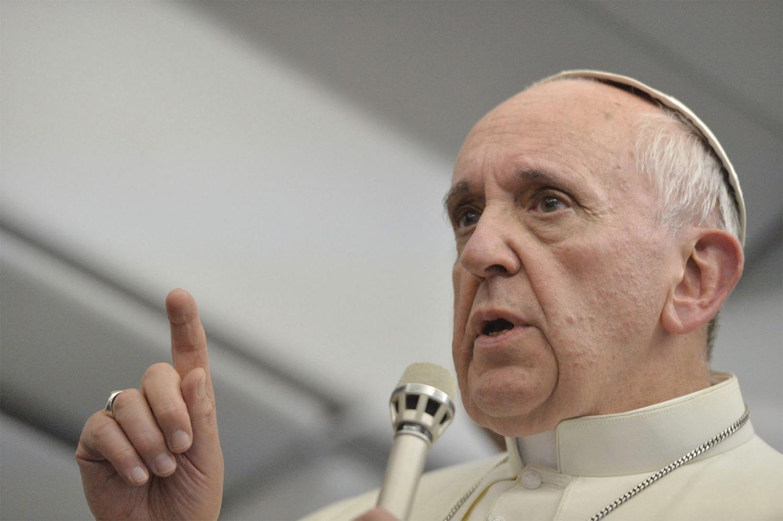 Atacan a cuatro iglesias católicas en Chile