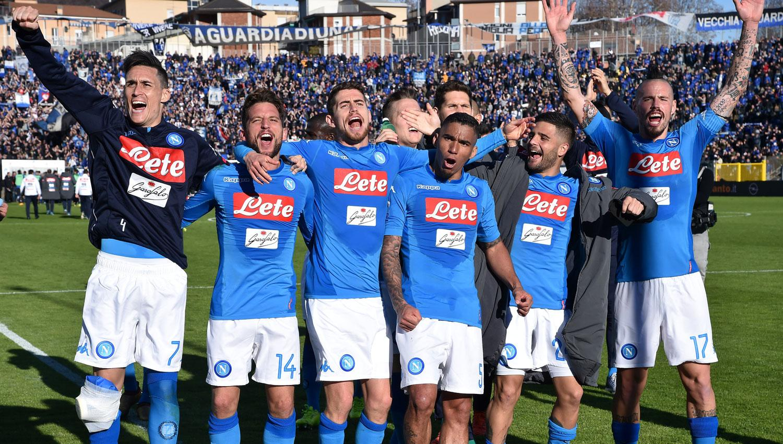 Napoli es más líder que nunca