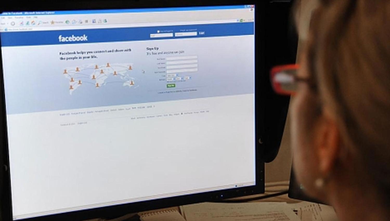 Facebook duplica su personal para