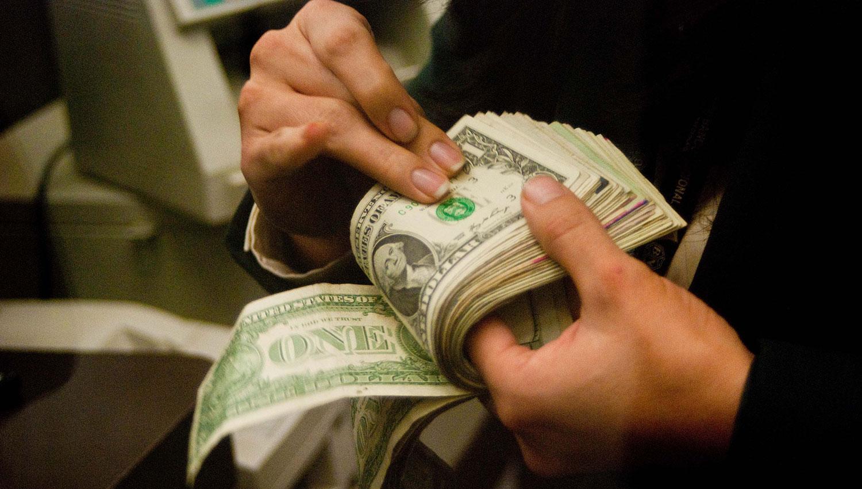 Nuevo récord del dólar: rompió el techo de los 20 pesos