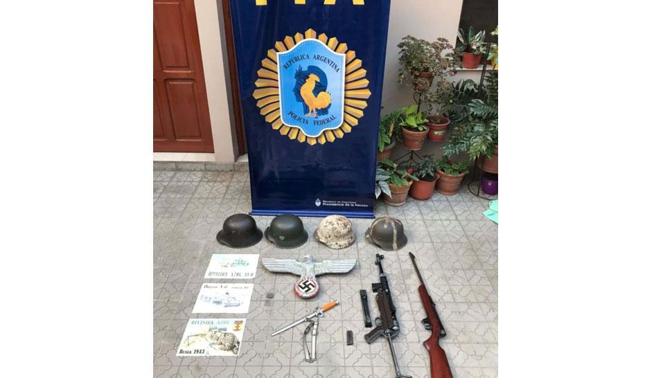 La policía secuestró una colección de objetos nazis en un allanamiento