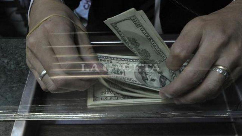 El dólar alcanzó un nuevo récord y cerró $20,54