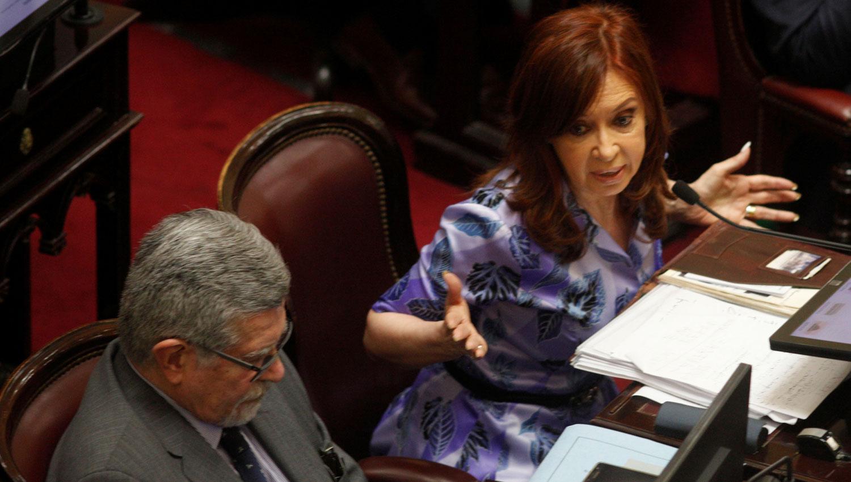 CFK busca prohibir que los funcionarios tengan cuentas off shore