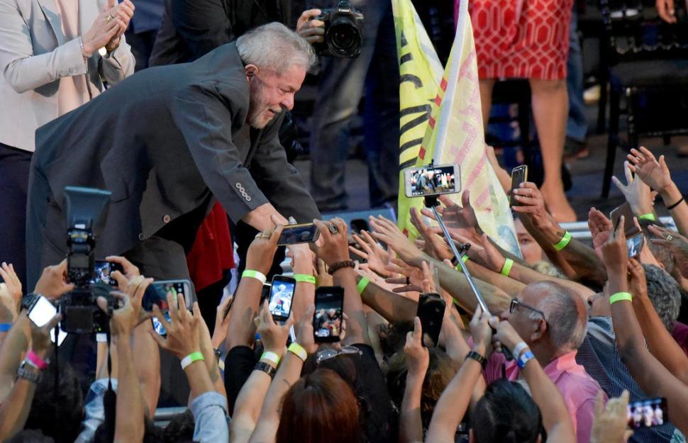 Rechazaron el pedido de habeas corpus para Lula y podría quedar detenido