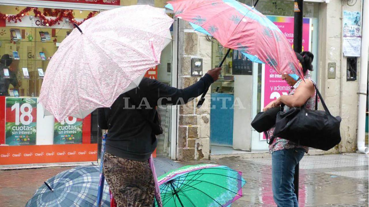 Rige un alerta por lluvias y tormentas fuertes