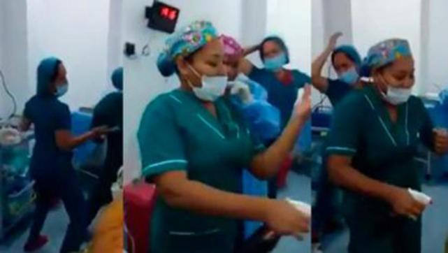 Video Enfermeras Perrean En Un Quirófano Frente A Una Paciente
