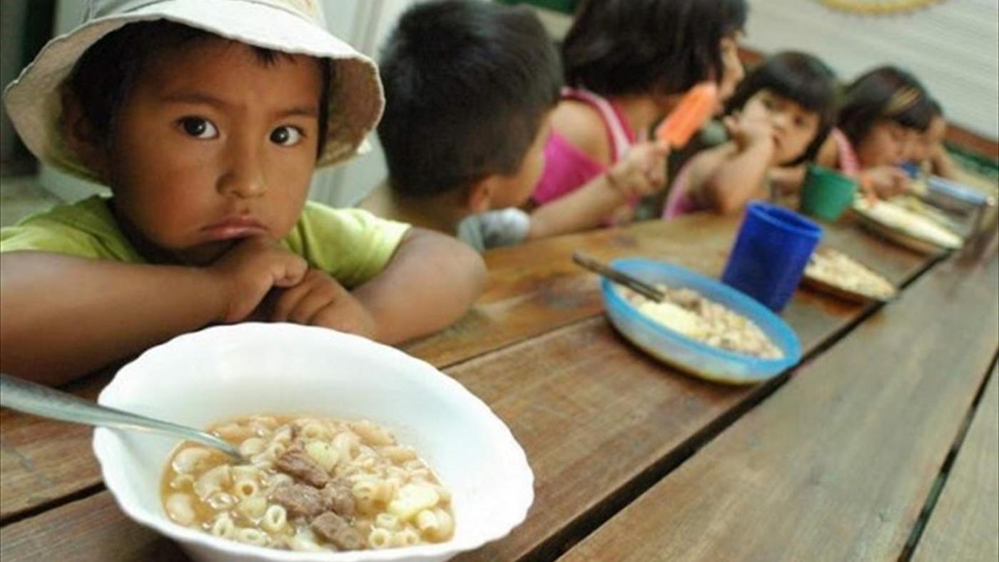 Uno de cada tres niños argentinos se alimenta en comedores ...