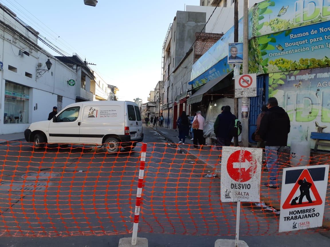 Hay nuevos cortes y desvíos por la reparación de calzada de calles Urquiza y Pellegrini