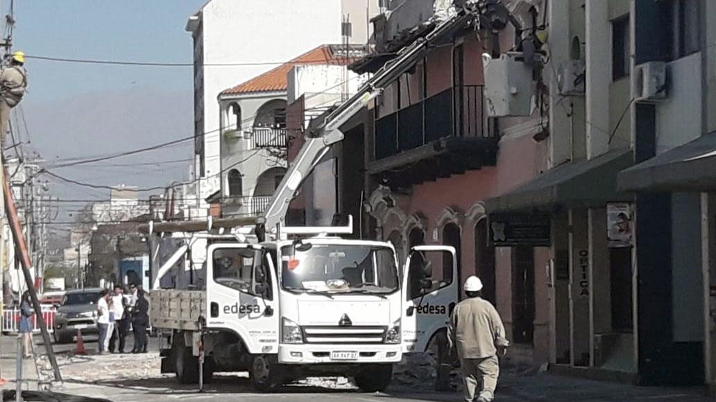 Todo mal  Se desplomó un edificio histórico de la Provincia