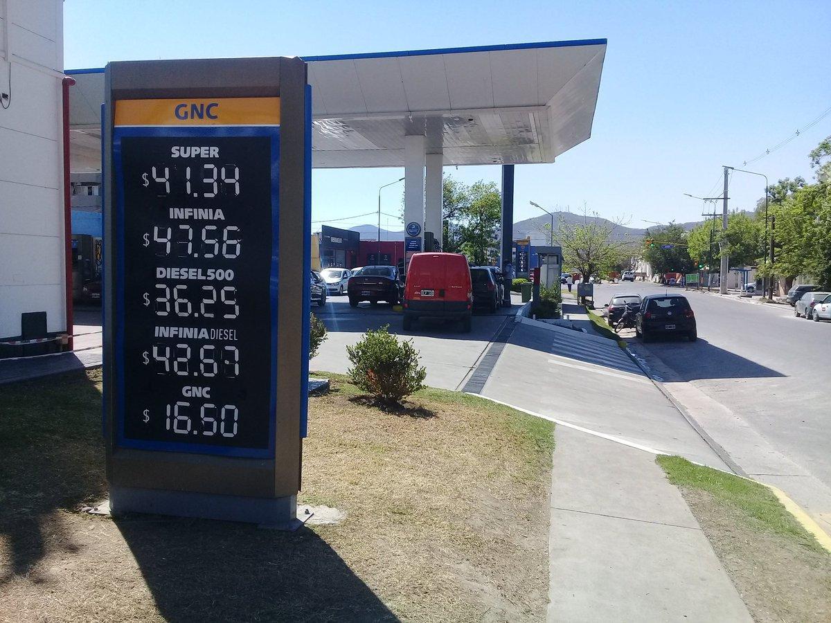 Axion hizo punta y aumentó sus combustibles 8,9%
