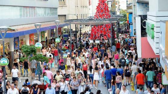 Estiman que esta Navidad los argentinos gastarán menos en regalos