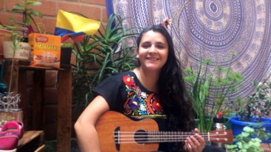 Video: una salteña compuso una canción al feminismo