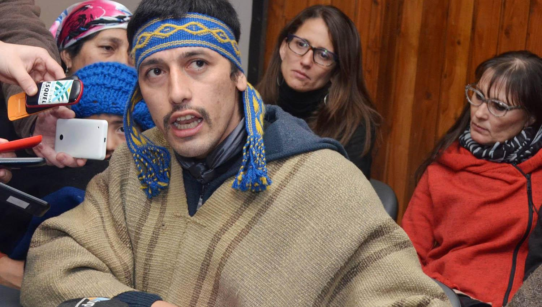 Condenan a 9 años de prisión a líder mapuche Huala en Chile