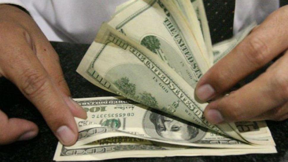 Venderán US$9.600 millones para evitar subas — Dólar