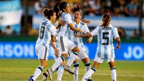 Luego del anuncio de profesionalización: Argentina quiere organizar el Mundial de Fútbol Femenino 20