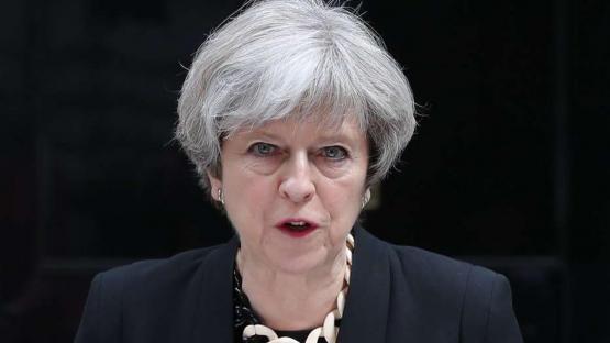 La primera ministra británica siente que fracasó y anunció que renuncia el 7 de junio
