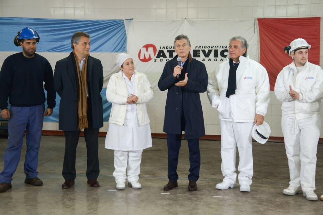 Cierra el frigorífico que reabrió Mauricio Macri